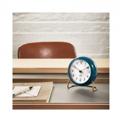 station table clock arne jacobsen lifestyle 2 1